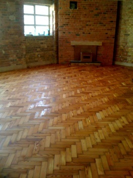 floor sanding De Beauvoir Town